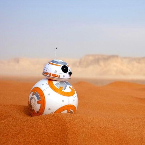 BB-8 travels in the desert.